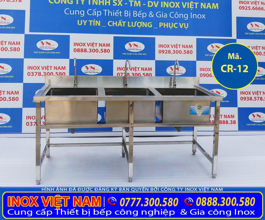 Chậu rửa inox công nghiệp 3 hộc, bồn rửa chén inox có chân của Inox Việt Nam (Ảnh thật tế).