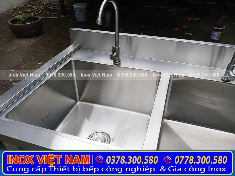 Cách phân biệt chậu rửa công nghiệp, bồn rửa chén inox có chân thật và giả.
