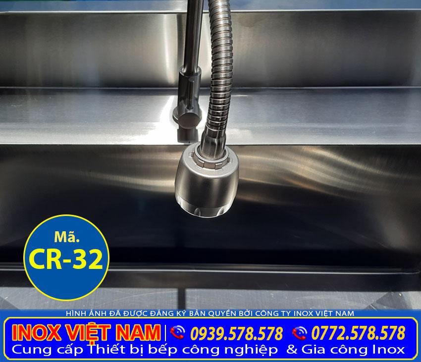 Vòi rửa chậu rửa inox công nghiệp chất lượng cao, chống rò rỉ nước, xoay vặn theo nhiều hướng.