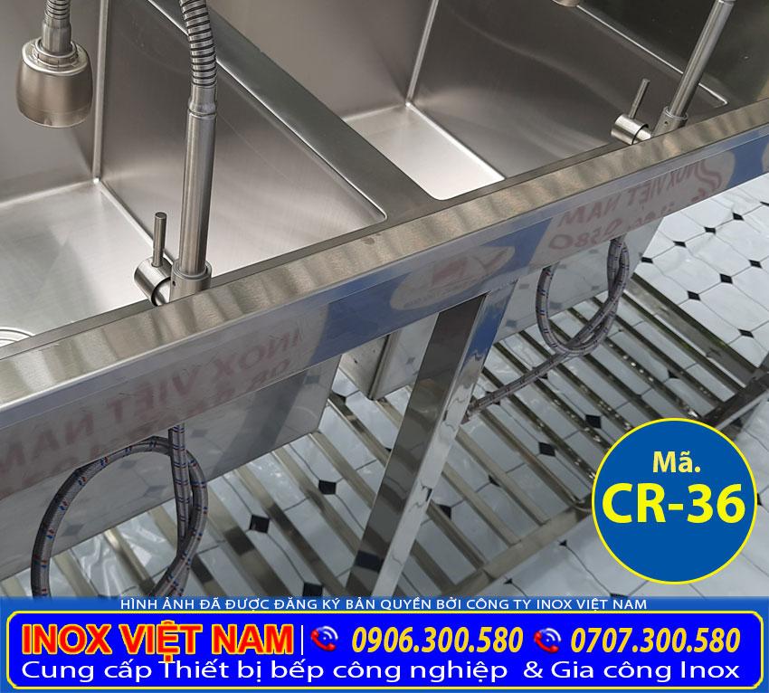 Gia công chậu rửa bát công nghiệp đôi, bồn rửa chén công nghiệp. Với kích thước theo yêu cầu.